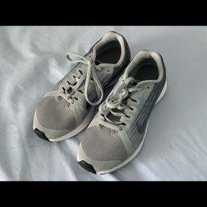 Boys Nike Downshifter 8 Sneakers